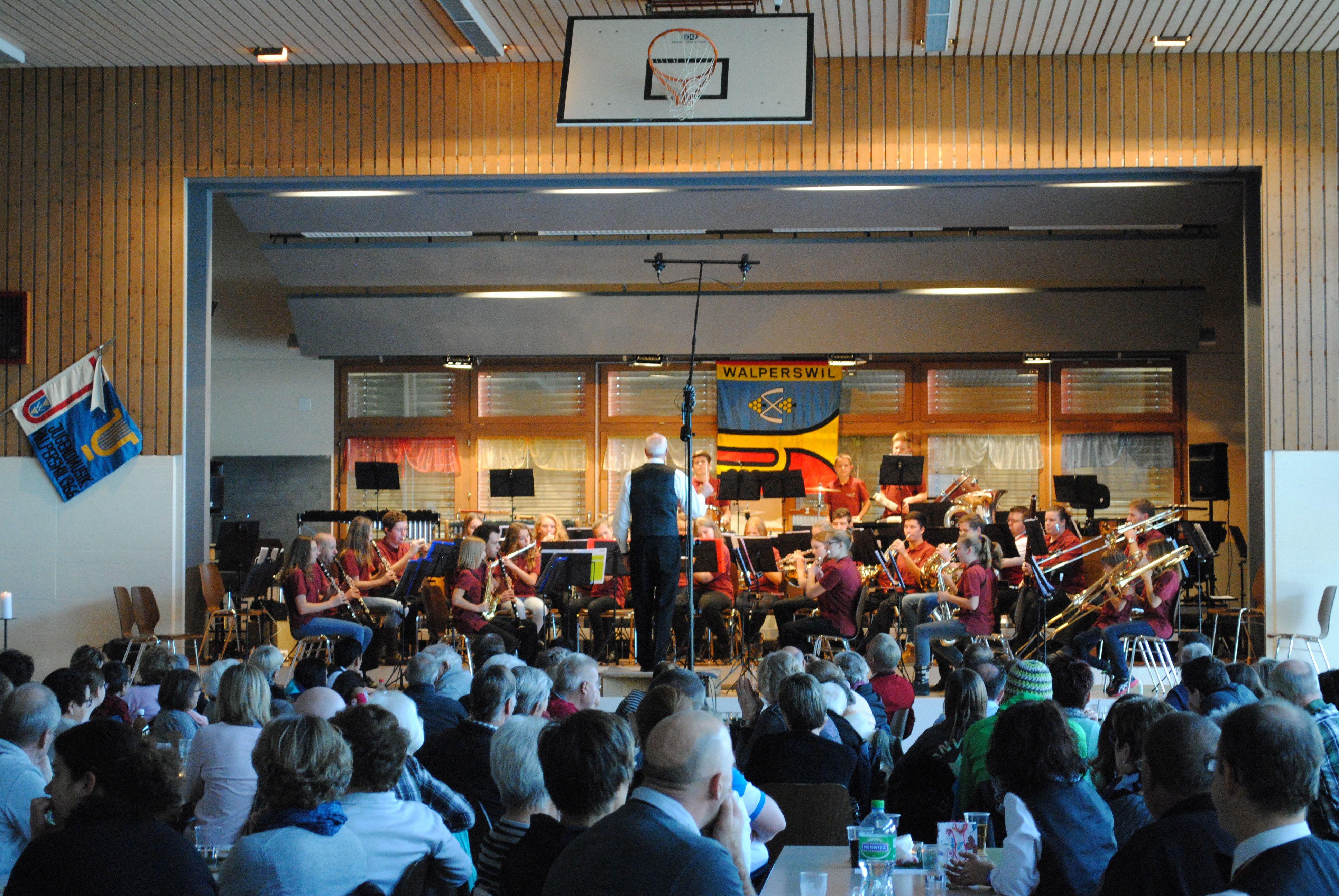 Jugendmusik Walperswil während dem Konzert