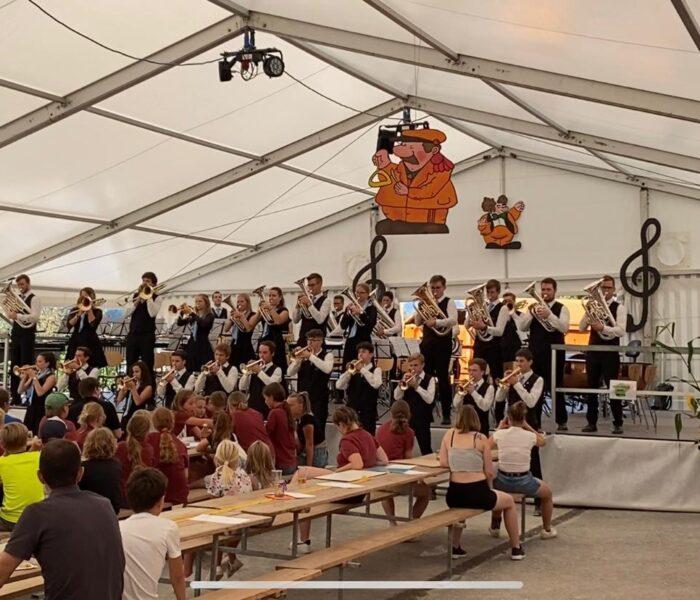 BML Talents auf der Bühne in Walperswil